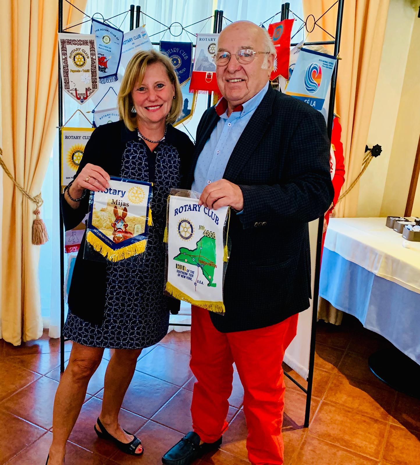 Member-Mary-Surdey-visits-Spain-Rotary-Meeting-(1)